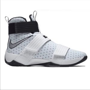Nike Lebron Zoom Soldier Sneakers size 11